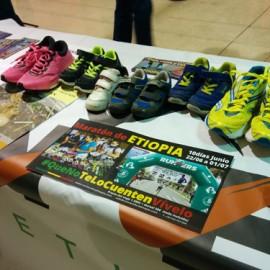 Primeras zapatillas de niño en la feria del corredor del 10K Valencia.